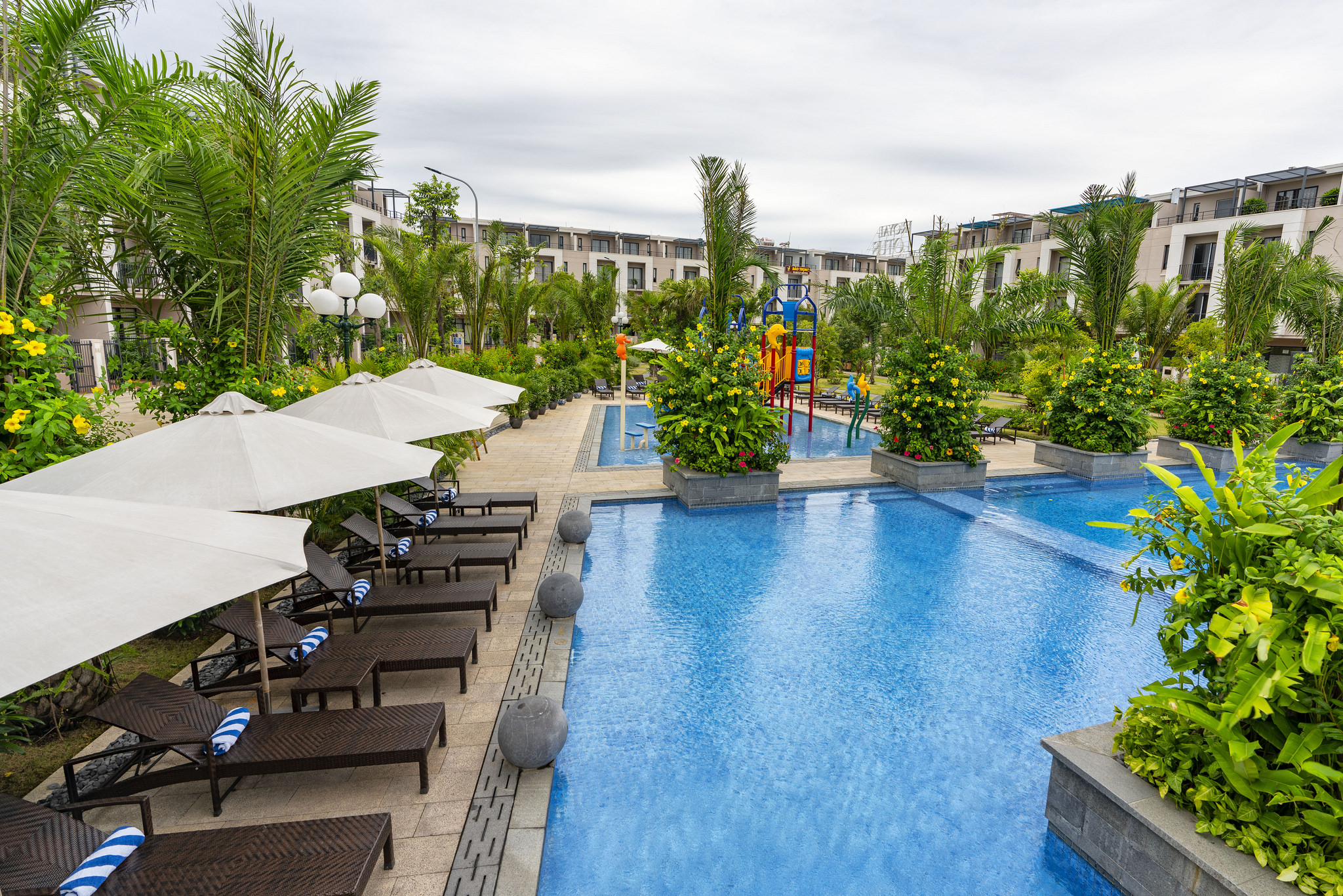 [COMBO HẠ LONG] 2N1Đ Royal Lotus Resort Villas 5*